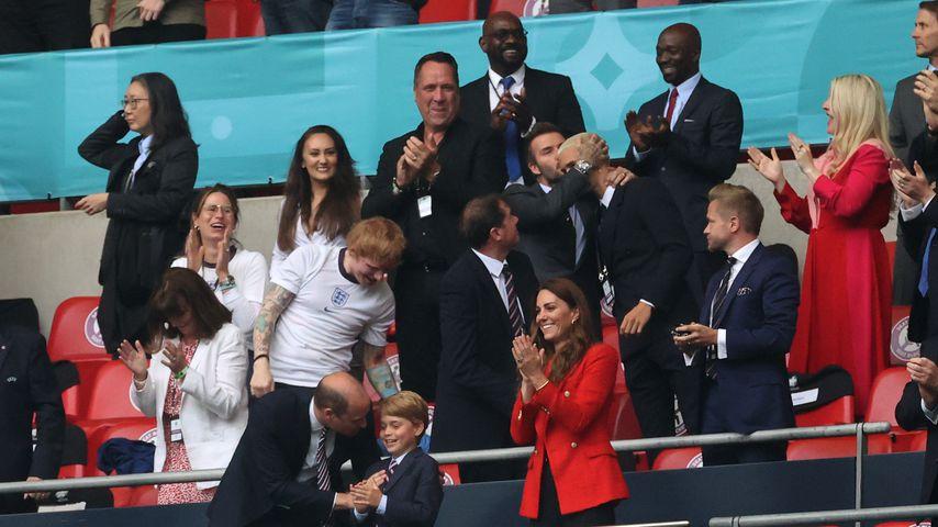 Ed Sheeran, David Beckham, Brooklyn Beckham, Prinz William, Prinz George und Herzogin Kate