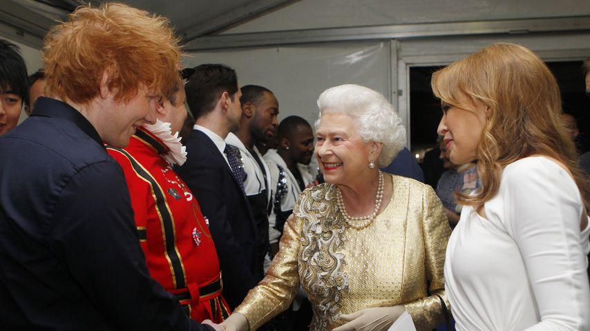 Ed Sheeran, Queen Elizabeth II. und Kylie Minogue im Juni 2012