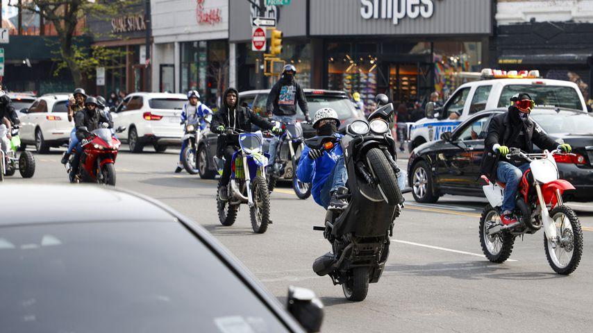 Ein Motorrad- und Autokorso für Raplegende DMX