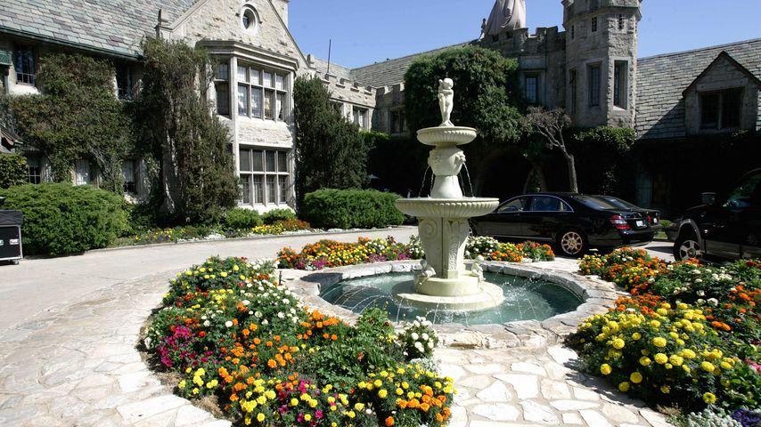Einfahrt der Playboy Mansion in Beverly Hills