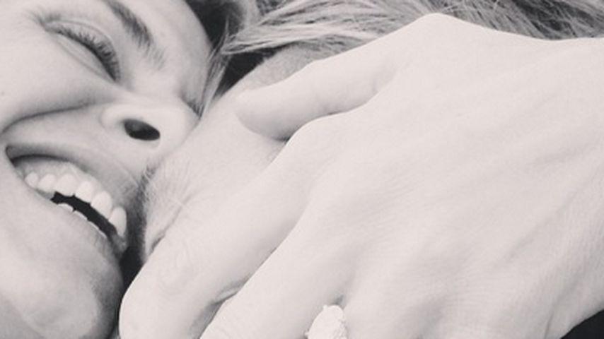 Happy! Scrubs-Star Eliza Coupe ist wieder verlobt