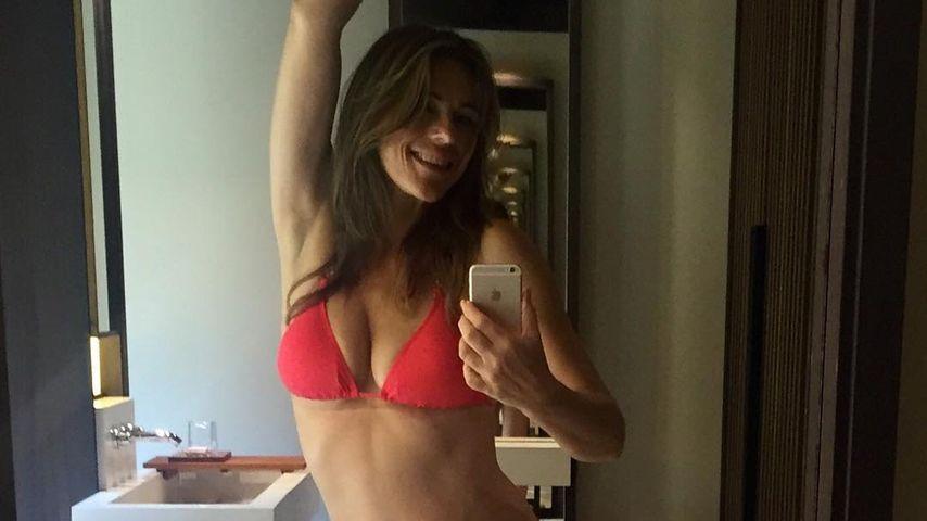Hammer-Body mit 51: Liz Hurley als sexy Bikini-Babe!