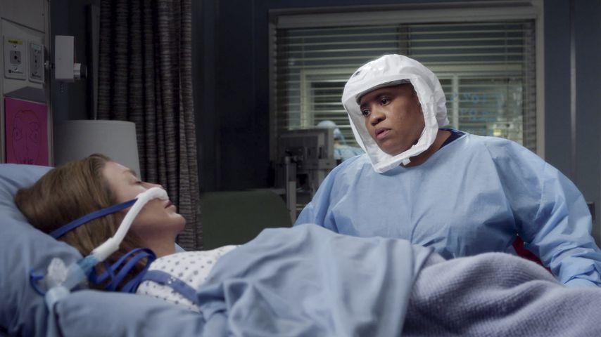 """Ellen Pompeo und Chandra Wilson in """"Grey's Anatomy"""""""