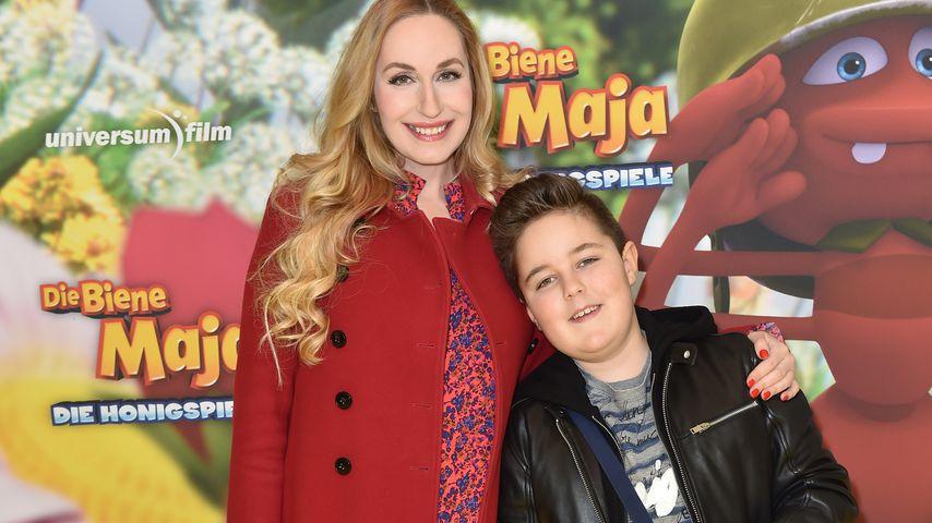 Elna-Margret Prinzessin zu Bentheim und Steinfurt mit ihrem Sohn Jonathan