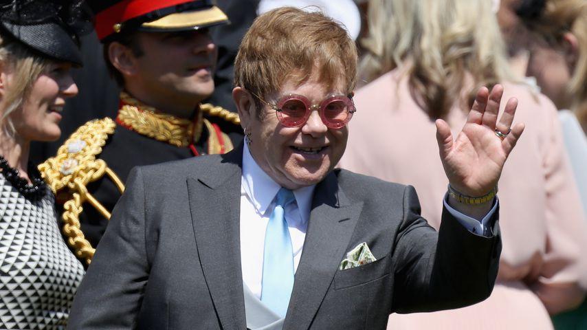 Elton John: Er hat auf Harry & Meghans Empfang gesungen!