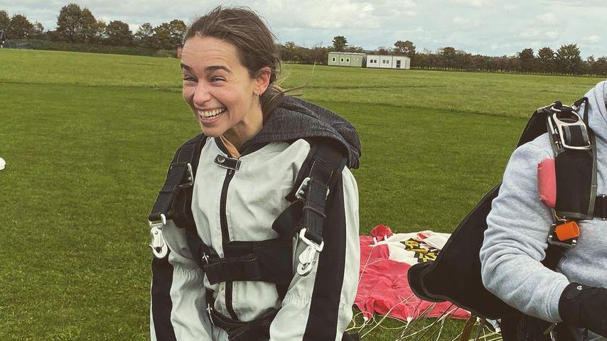 Emilia Clarke nach ihrem Fallschirmsprung, Oktober 2020