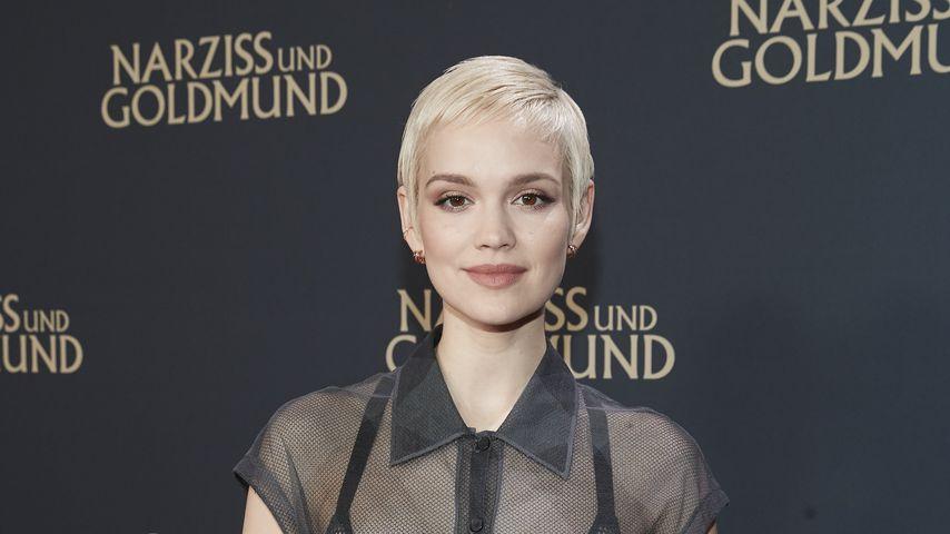 Emilia Schüle, Schauspielerin