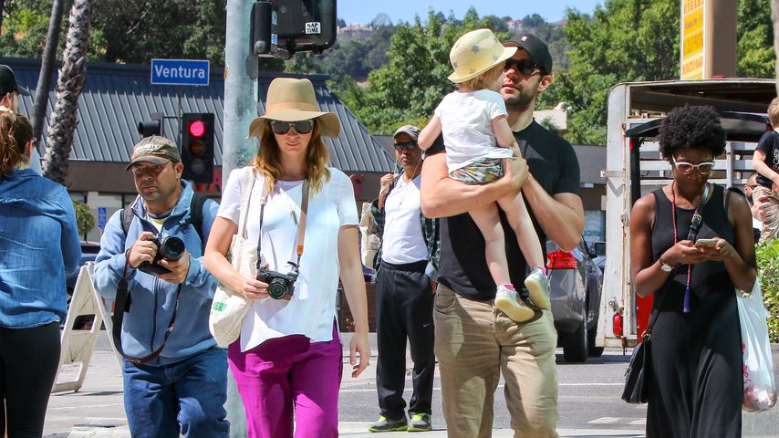 Mit wachsendem Babybauch: Emily Blunt genießt Family-Action