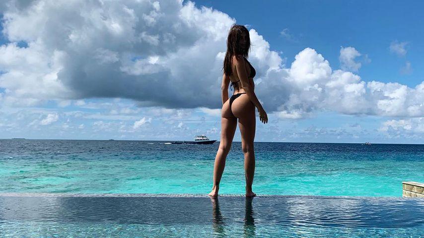 Emily Ratajkowski auf den Malediven