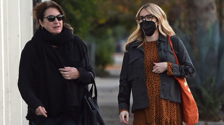 Emma Roberts (r.) mit ihrer Mutter, November 2020