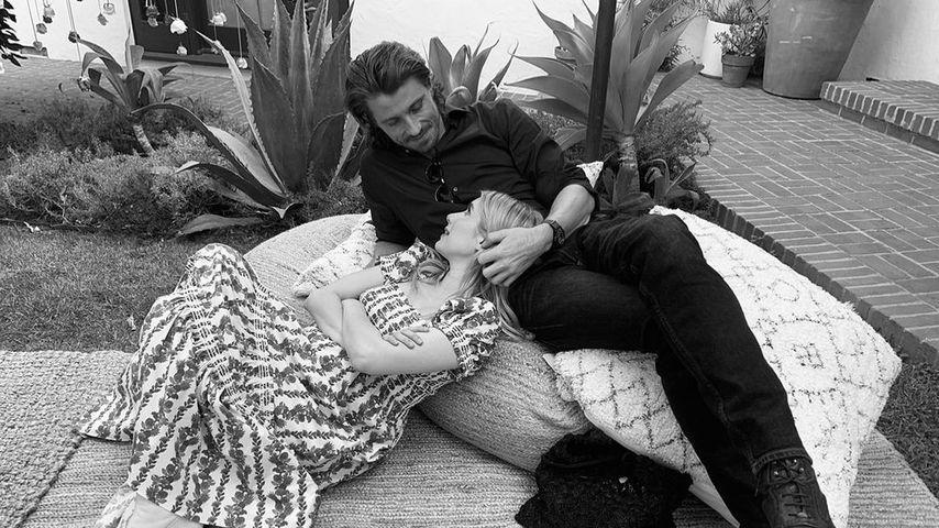 Emma Roberts und Garrett Hedlund, 2021