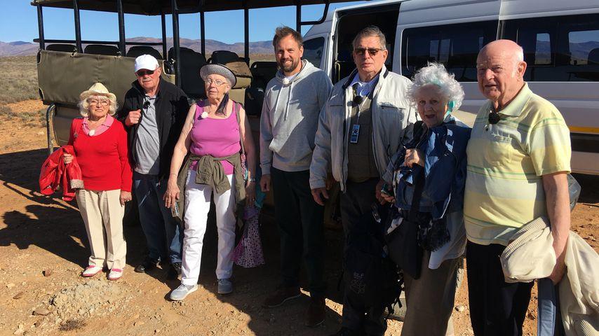 Erika, Bernd, Marianne, Steven Gätjen, Lothar, Christina und Norbert auf Safari in Südafrika
