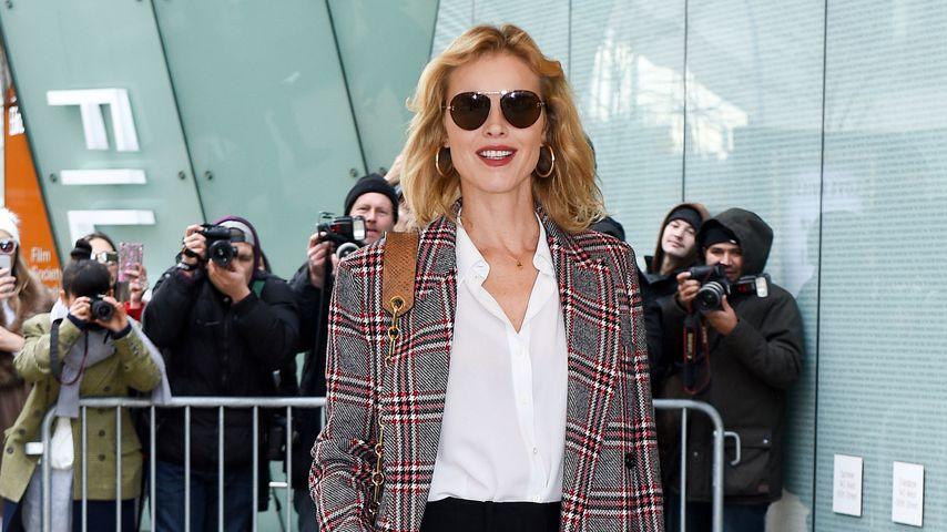 Schauspielerin Eva Herzigová auf der New York Fashion Week