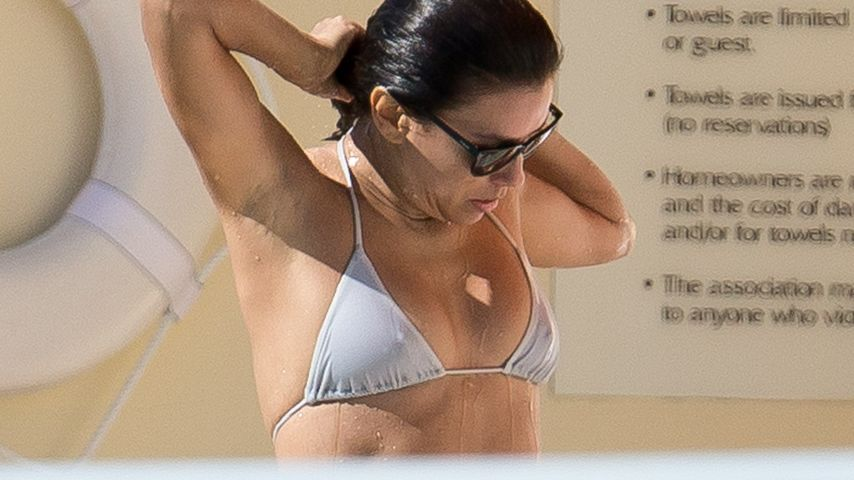Eva Longoria: Sexy Bikini-Show am Hotel-Pool
