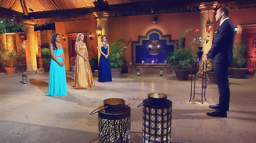 Eva, Vanessa, Jenny und Andrej in der vorletzten Nacht der Rosen