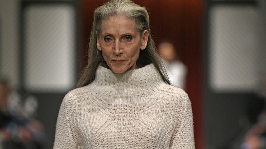 Model Eveline Hall (66) steht auf jüngere Männer