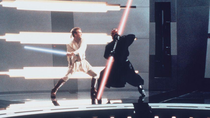 """Ewan McGregor und Ray Park in """"Star Wars: Episode I – Die dunkle Bedrohung"""""""