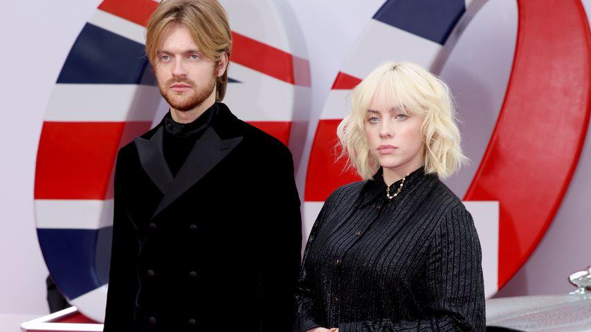 """Finneas und Billie Eilish bei der """"James Bond 007: Keine Zeit zu sterben""""-Premiere, September 2021"""