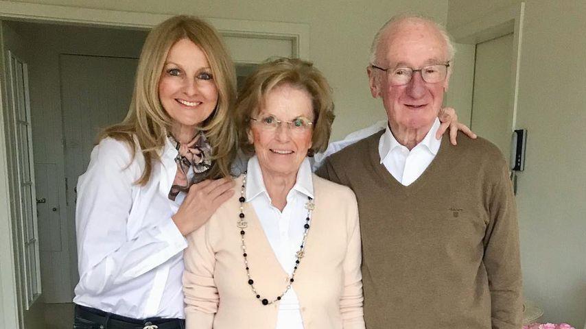 Frauke Ludowig mit ihrer Mutter und ihrem Vater