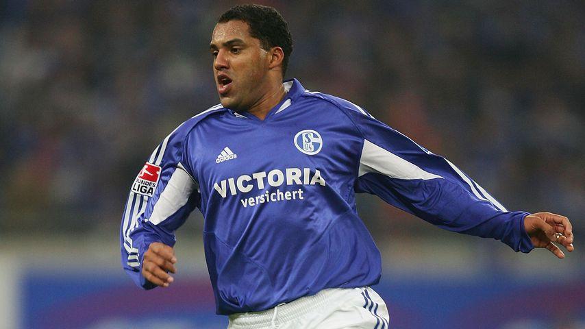 Fußballstar Ailton bei einem Schalke-Spiel 2005