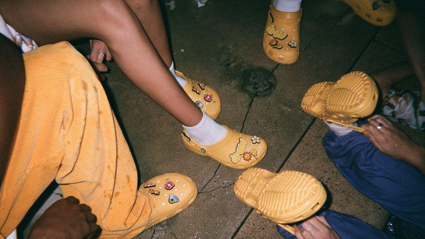 Crocs aus der Kollektion von Justin Bieber