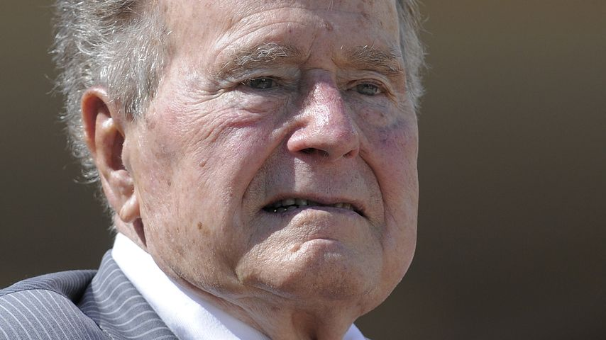 Wegen Blutdruck: Ex-Präsident George Bush wieder in Klinik!