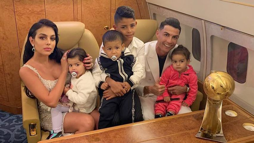 Georgina Rodriguez, Eva, Mateo, Cristiano Jr., Cristiano Ronaldo und Alana