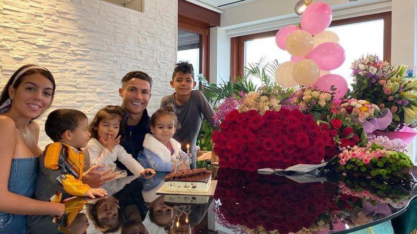 Riesiger Rosenstrauß: So gratuliert Ronaldo seiner Liebsten