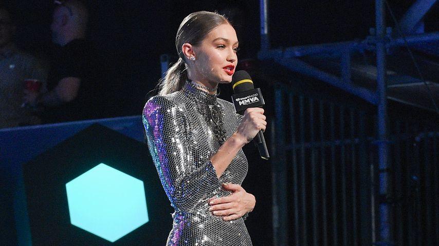 """Gigi Hadid auf der """"iheart Radio MuchMusic Video Awards""""-Bühne"""