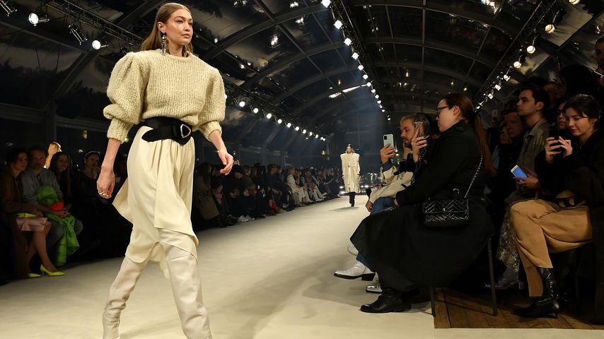 Gigi Hadid auf der Paris Fashion Week 2020