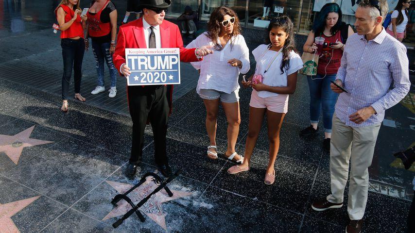 Gregg Donovan bei Donald Trumps Stern auf dem Walk of Fame