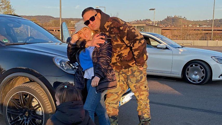 Haftbefehl mit seiner Tochter und Frau Nina