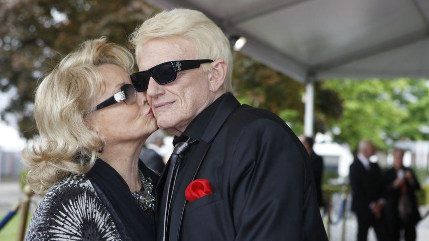 Hannelore Kramm und Heino bei der Verleihung der Goldenen Sonne