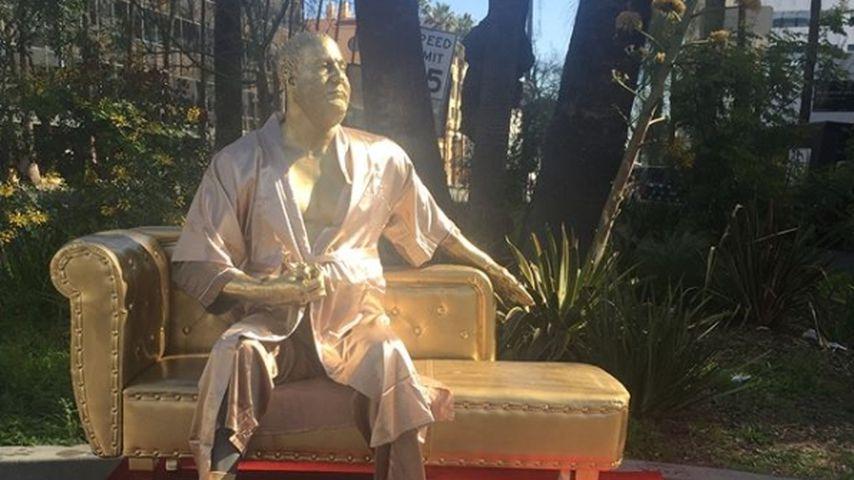 """Die Harvey-Weinstein-Statue """"Casting Couch"""""""