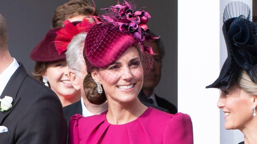 Trug Herzogin Kate diesen Hochzeits-Look nicht schon mal?