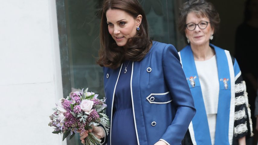 Babybauch-Auftritt: Herzogin Kate strahlt im Schwangerkleid!