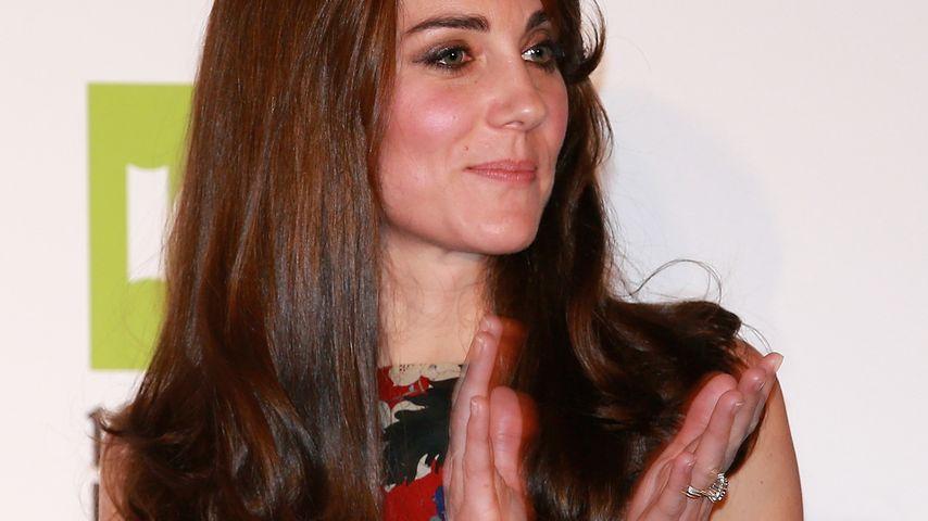 Glänzender Auftritt: Herzogin Kate strahlt in Nationalfarben