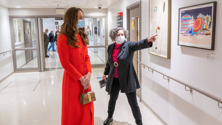 Wow! Herzogin Kate begeistert ihre Fans in rotem Maxidress