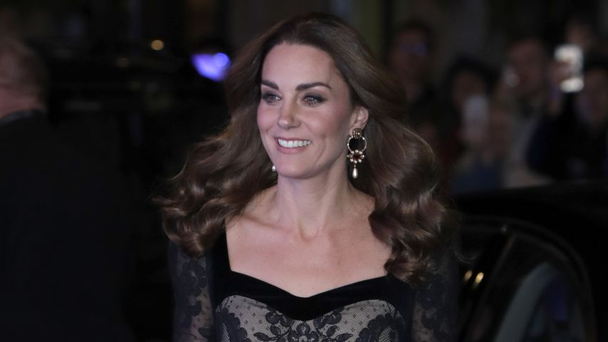 In schwarzer Spitze: So schön strahlt Herzogin Kate bei Gala