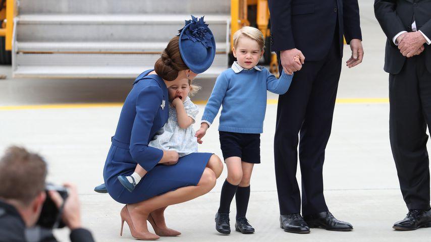 Herzogin Kate mit Prinzessin Charlotte und Prinz George, 2016