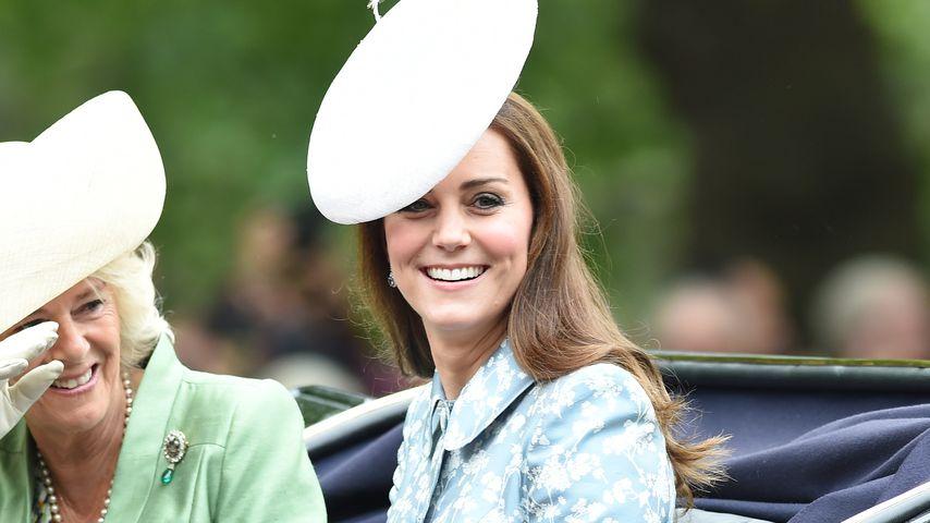 1. Auftritt nach Baby-Geburt: Hier strahlt Herzogin Kate!