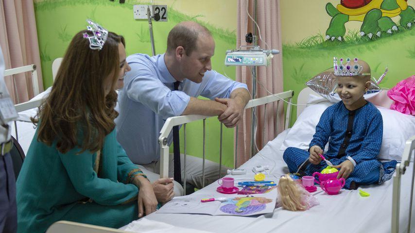 Herzogin Kate und Prinz Willliam besuchen ein Krankenhaus in Lahore