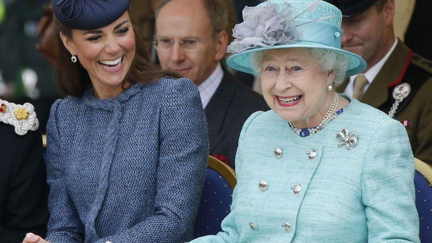"""""""Not amused"""": Die Queen bringt kleinen Jungen zum Weinen!"""