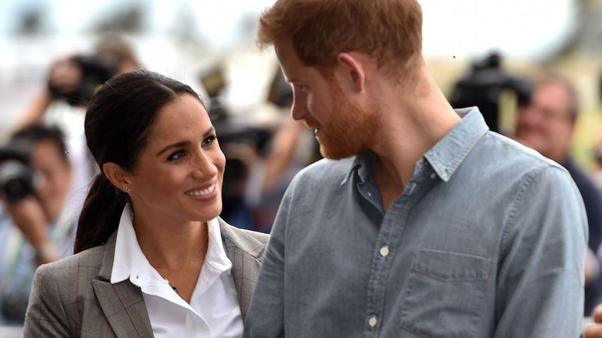 Herzogin Meghan und Prinz Harry auf dem Flughafen in Dubbo (Australien)