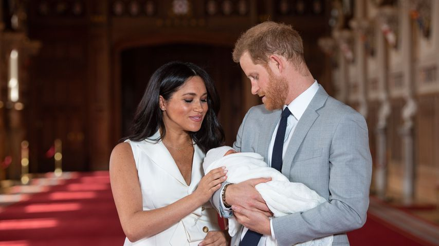 Baby Archie: So schlagen sich Harry & Meghan als Eltern!