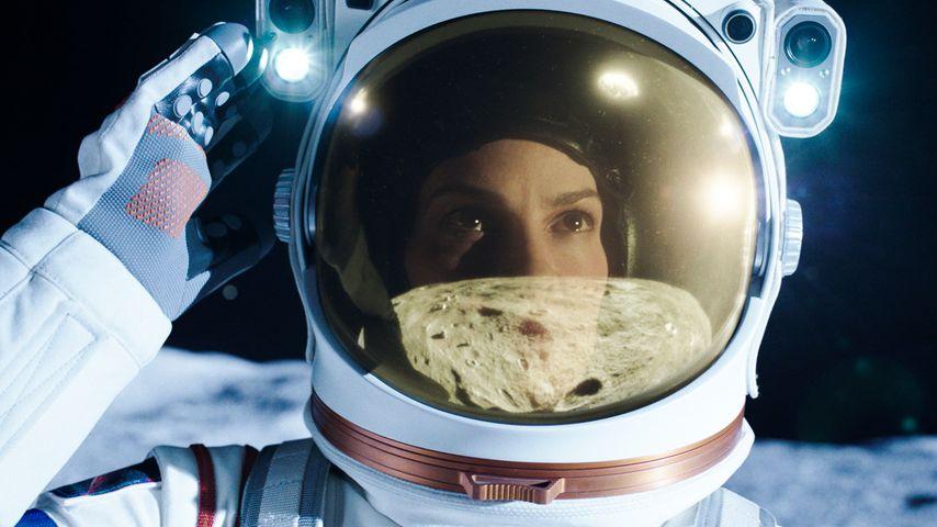 """Hilary Swank als Emma Green in """"Away"""""""