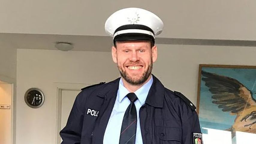 """""""Hochzeit auf den ersten Blick""""-Alexander als Polizist bei """"Terra Xpress"""""""