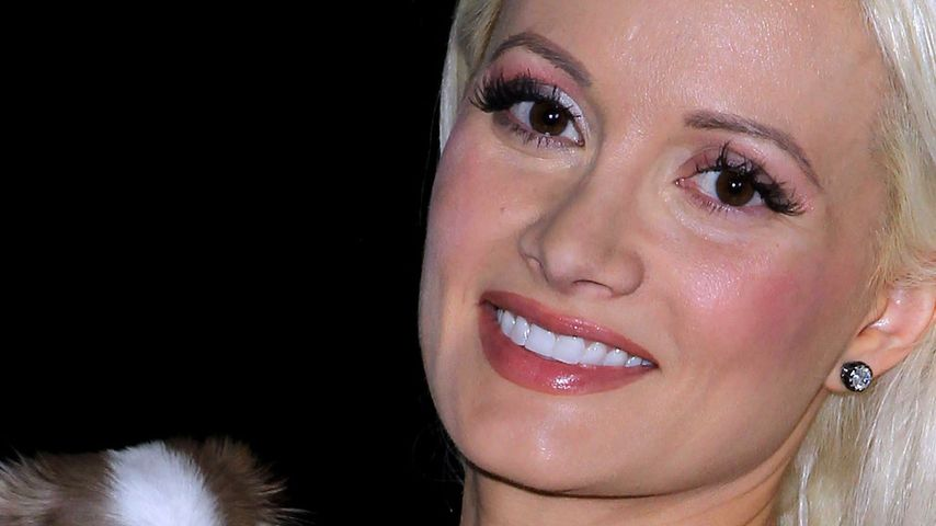 Holly Madison hat flauschigen Co-Moderator