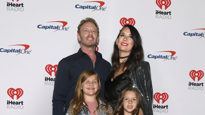 Ian und Erin Ziering mit ihren Kindern Mia Loren und Penna