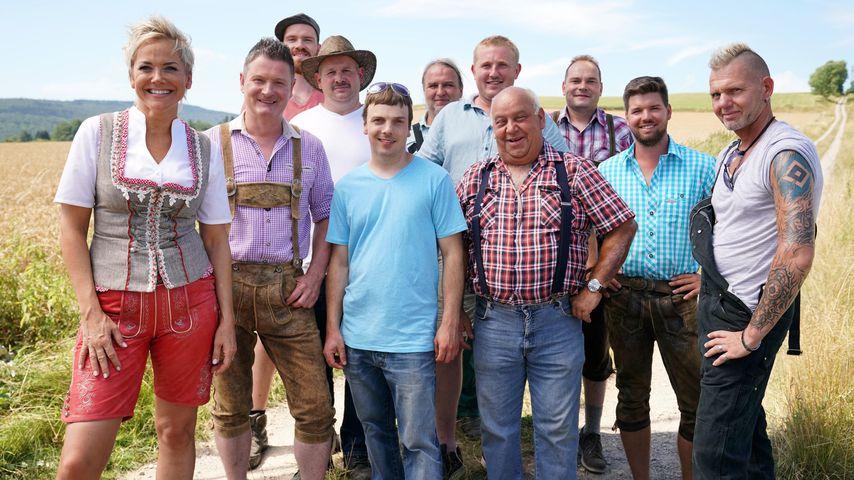 """Inka Bause und die Singles der 15. Staffel von """"Bauer sucht Frau"""""""